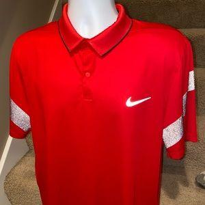 Nike Golf *modern fit* Sunday Red golf polo shirt